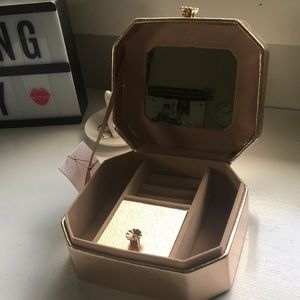 NEW LAUREN CONRAD jewelry box